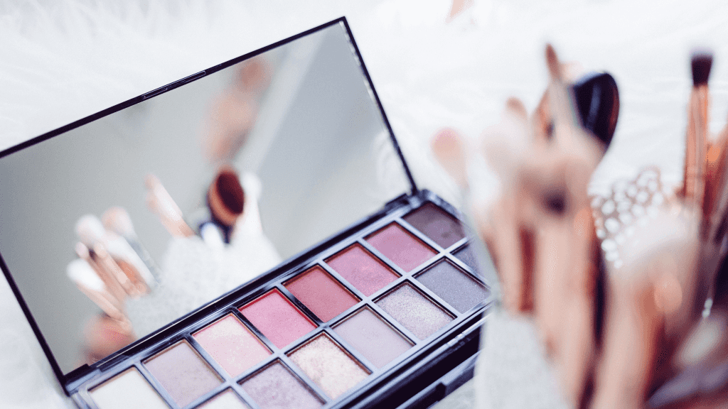 make-up-can-only-make-you-look-pretty-on-the-outside