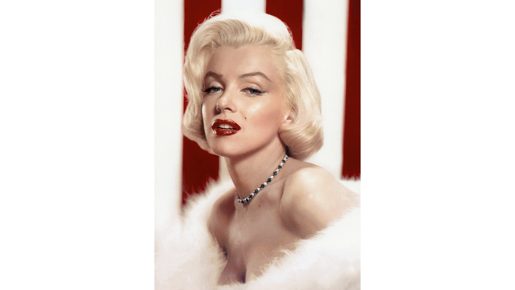 marilyn-monroes-quotes-about-beauty-smile-and-chanel-no.5